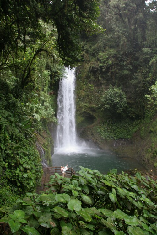 la-paz-waterfall-costa-rica
