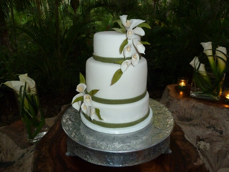 cala-lilly-wedding-cake
