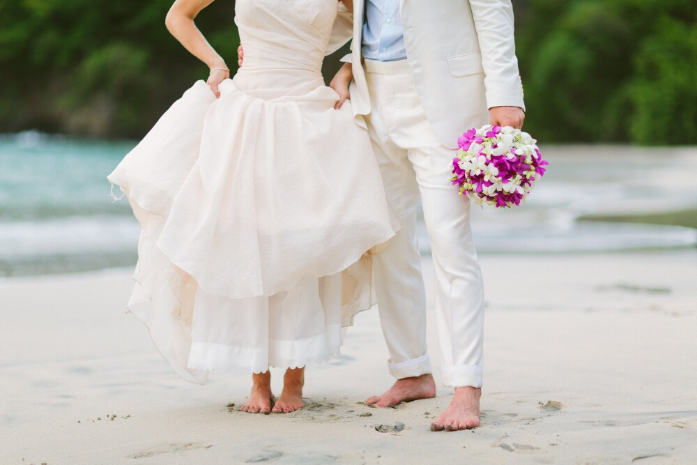 feet-in-sand-beach-wedding