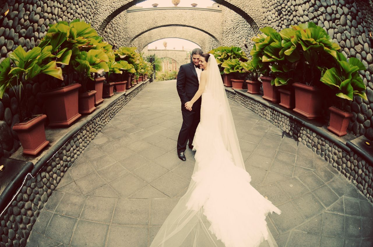 bride and groom in Zephyr Palace Garden