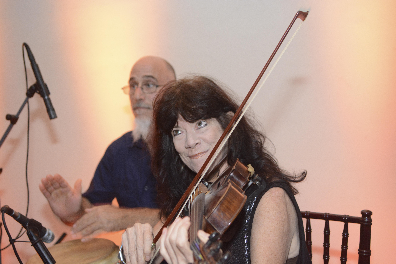 maria-elliott-violin