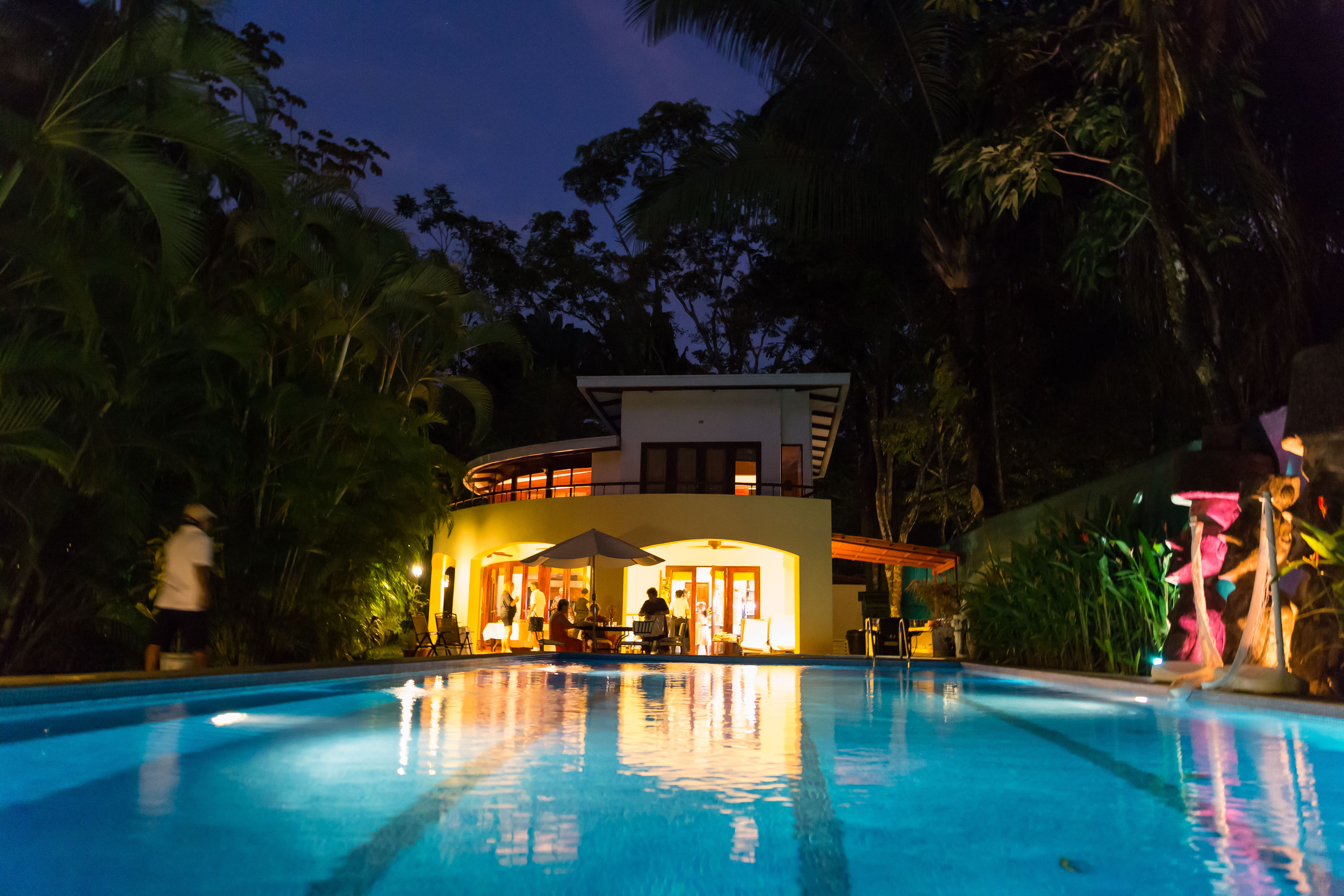 discovery beach house pool