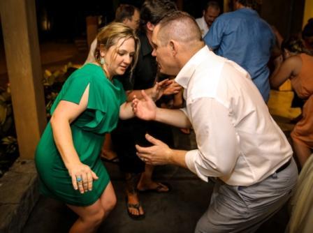 dancing-at-pangas-beach-club
